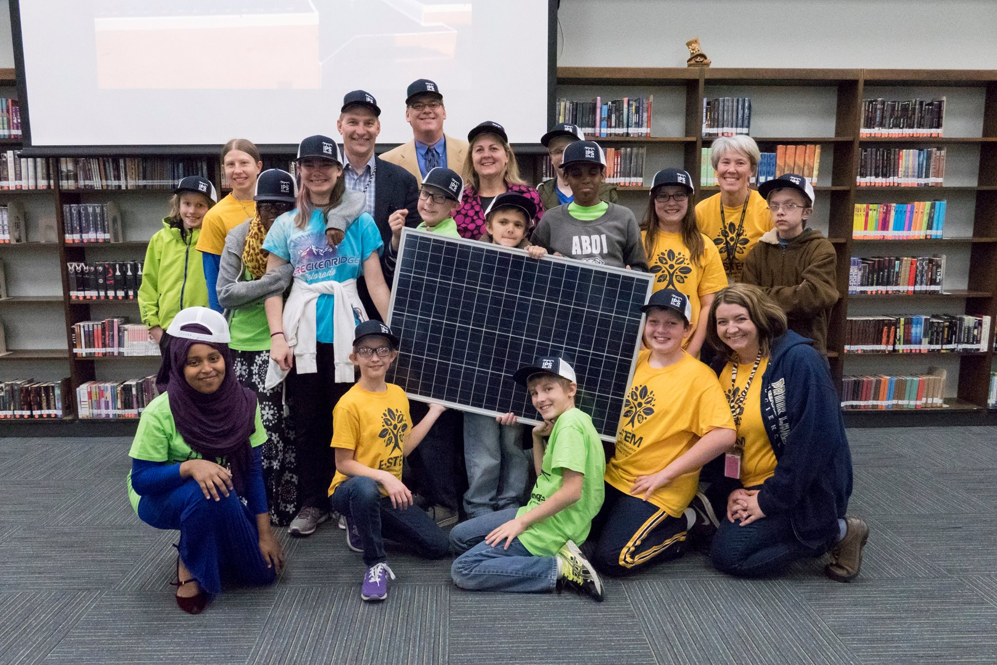 Twin Oaks Middle School and IPS - Solar Panel, Solar for Schools, Students and Solar
